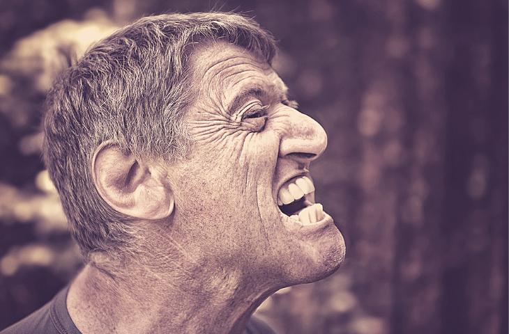 prendre soins de la santé dentaire de nos aînés avec la vie à pleine dents plus longtemps